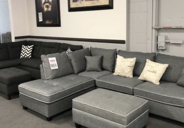 3PC Gray Sofa Sectional W/ Ottoman for Sale in Fresno,  CA