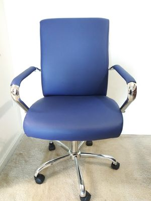 A BEAUTIFUL REDDEN LUXURA BLUE CHAIR JUST COME OUT THE BOX for Sale in Sudley Springs, VA