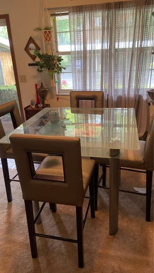 High top table and chairs for Sale in GRANDVIEW, OH