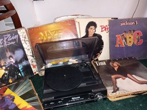 Encore technology record player (PC link stereo system) wit classic old school albums for Sale in Baltimore, MD