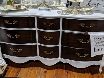 French Provincial Farmhouse 9 Drawer Dresser / Media Console for Sale in Bonney Lake,  WA