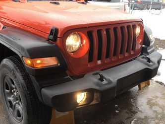 Jeep Bumper - Stock 2018 JL for Sale in Orting,  WA