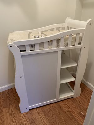 Diaper changing station with changing pad and cover for Sale in Alexandria, VA