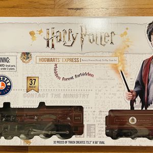 Lionel Harry Potter Hogwarts Express Battery Powered Model Train Set Remote Cont for Sale in New Haven, CT