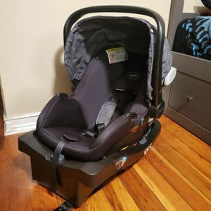 Evenflo Carseat + Base for Sale in Hayward, CA