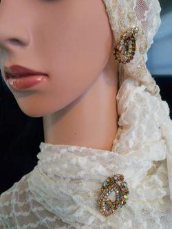 Vintage demi parure rhinestones aurora borealis interlocking brooch earrings for Sale in St. Pete Beach,  FL