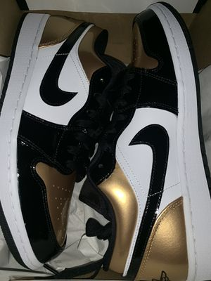 Jordan 1 low gold toe size 10 for Sale in The Bronx, NY