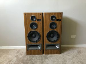 Technics SB-A30 3 Way Tower Home Floor Standing Speakers for Sale in Mount Prospect, IL