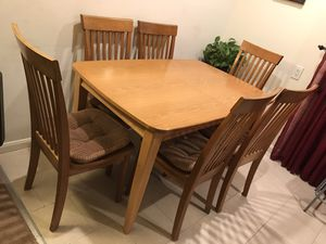 Gorgeous Dining Set with extendable Table and 6 Chairs - pads included - like new for Sale in Redwood City, CA