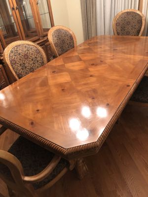 Dining room table with 6 chairs for Sale in Palos Heights, IL
