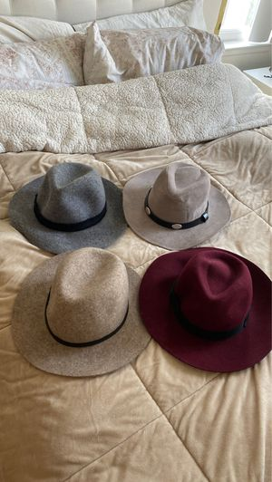 4 Round Hats (Zara, William B, Banana Republic and Forever 21) for Sale in Los Angeles, CA
