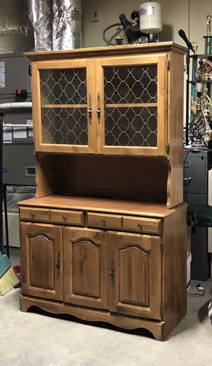 Vintage China cabinet china hutch honey maple color solid wood cabinet for Sale in Graham, WA