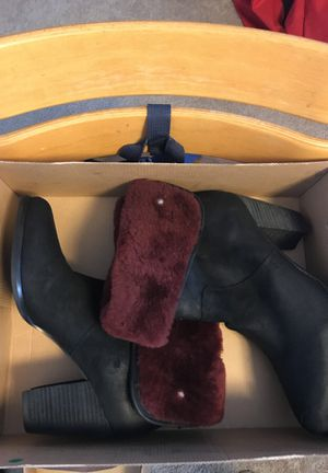 Women's UGG Layna Shearling Cuff Boot Size 10 for Sale in Washington, DC