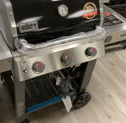 WEBER 66011001 GENESIS II NATURAL GAS BBQ 6 for Sale in Houston,  TX