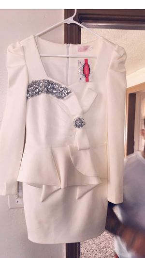 White dress for Sale in Madison Heights, MI