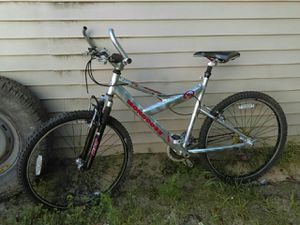 """A pair of mongoose mountain bike's. 26"""" inch adult. for Sale in East Jordan, MI"""