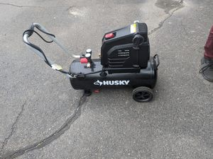 Husky compressor months off used comes with box for Sale in Middletown, CT