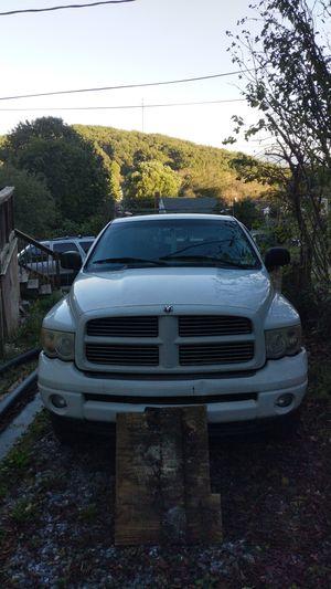 04 Dodge Ram 5.7 hemi for Sale in Staunton, VA