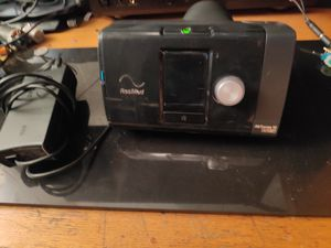 Resmed CPAP machine low hours , works perfectly . Includes power supply and carrying case for Sale in Phoenix, AZ