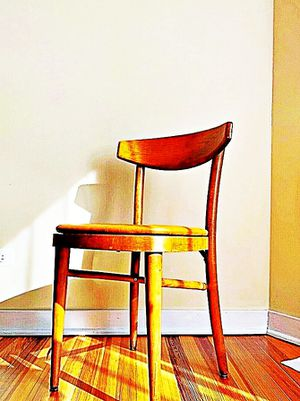 Wooden Shelby Williams Industries MCM chairs (4) with leather seat cushion. for Sale in Lawrence, MA