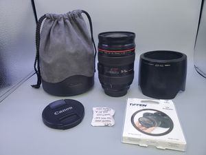 Canon ef 24-70mm f2.8L for Sale in Glendale Heights, IL