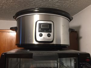 Programmable crock pot for sale $15 for Sale in Fairview Park, OH