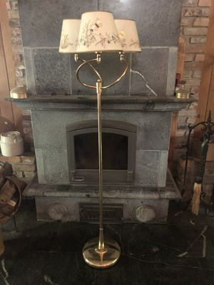 Floor Lamp With Triple Lights for Sale in Georgetown, DE