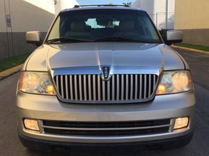 2006 Lincoln Navigator fully loaded 3rd row seats ac for Sale in Hollywood, FL