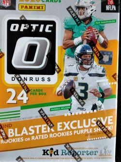 DONRUSS OPTIC FOOTBALL BLASTER BOX for Sale in Lynwood,  CA