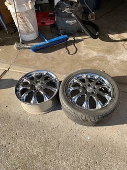 2 MOMO rims and 1 tire. for Sale in Gresham,  OR