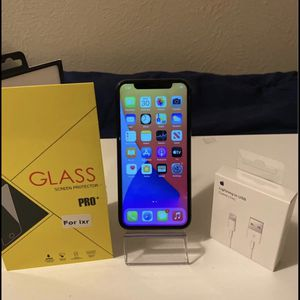 iPhone X..256gb.. Unlocked for Sale in Denver, CO