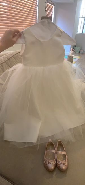 Flower girl dress with sash size 2T and size 4 shoes for Sale in Phoenix, AZ