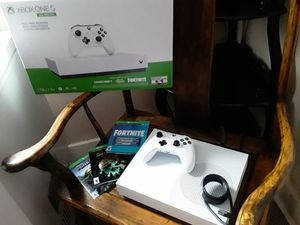 Xbox one s All digital 1tb with 1 controller( 3 game codes included) for Sale in Miami, FL