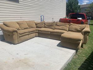 SECTIONAL COUCH WITH PULL OUT BED AND RECLINER for Sale in La Vergne, TN