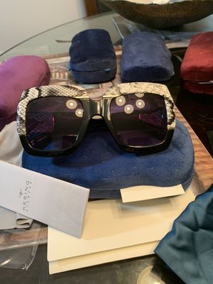 Gucci sunglasse black brown for Sale in Germantown, MD