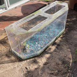 Fish Tank for Sale in Garden Grove, CA