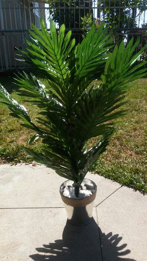 30 Inch Artificial Palm Plant for Sale in Los Angeles, CA