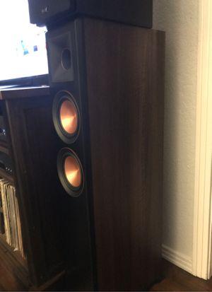 Klipsch RP5000f walnut finish, pair tower speakers for Sale in Pismo Beach, CA