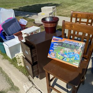 FREE FREE FREE **Adding MORE!!! for Sale in Elburn, IL