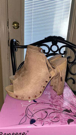 Chunky platform heel tie up for Sale in Fort Worth, TX