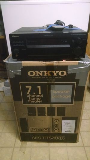 Surround sound speakers and receiver for Sale in Woodstock, IL