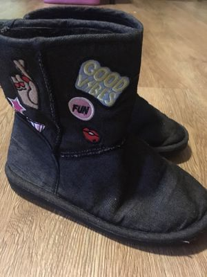 Girls boots size 1 for Sale in Los Fresnos, TX