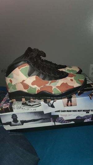 JORDAN DUCK CAMO 10 ! DEADSTOCK SIZE 9.5 ! WILL TRADE FOR ANY JORDANS SIZE 9. OR $160 PRICE IS NEGOTIABLE ! TRADES OR CASH ! for Sale in Boston, MA