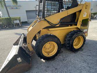 2004 Caterpillar 226 Skid Steer For Sale Bobcat for Sale in Miami,  FL