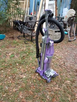 Dyson vacuum- FOR PARTS for Sale in Rincon, GA