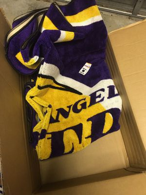 Brand new Lakers plush rug for Sale in Pembroke Pines, FL