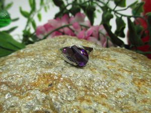 Vintage Estate Size 8 925 Sterling Silver Purple Glass Unique Stone Band Ring Wedding Engagement Anniversary Everyday Minimalist Statement for Sale in Everett, WA