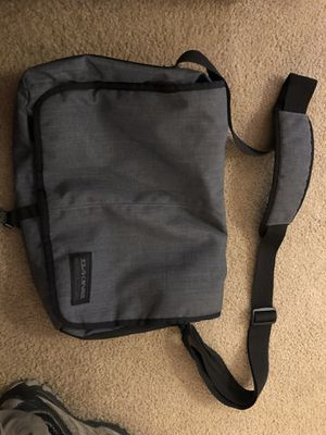 Dakine Mainline 20 L Messenger Laptop Bag LG Grey Black for Sale in Pasco, WA