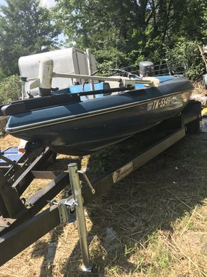 18 ft boat for Sale in La Vergne, TN
