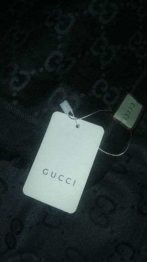 GUCCI SCARF REVERSABLE for Sale in Federal Heights, CO